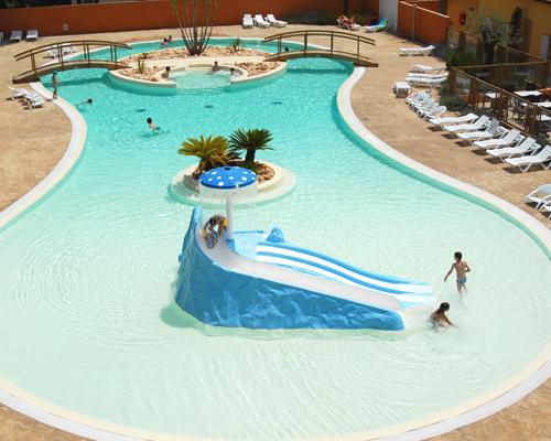 Beaus jour camping bord de mer for Camping martigues avec piscine bord mer