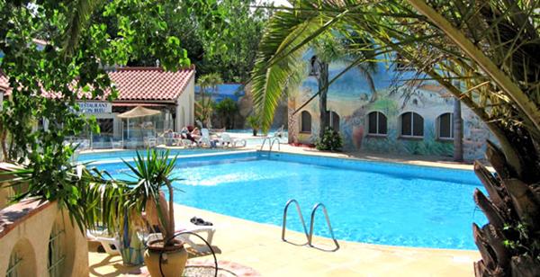 Camping palais de la mer bord de mer piscine for Camping normandie piscine couverte bord mer