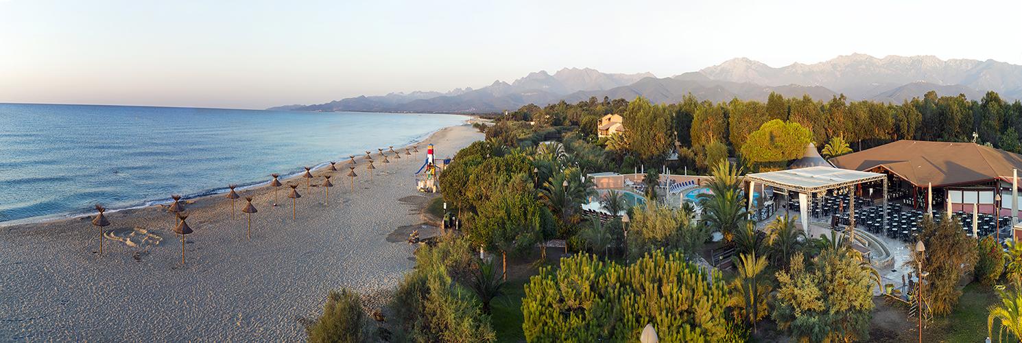 D couvrez nos campings camping bord de mer france for Camping 5 etoiles var bord de mer avec piscine