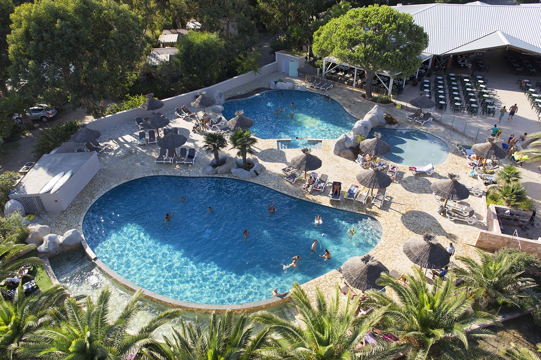 arinella bianca vue aerienne piscine camping bord de mer. Black Bedroom Furniture Sets. Home Design Ideas