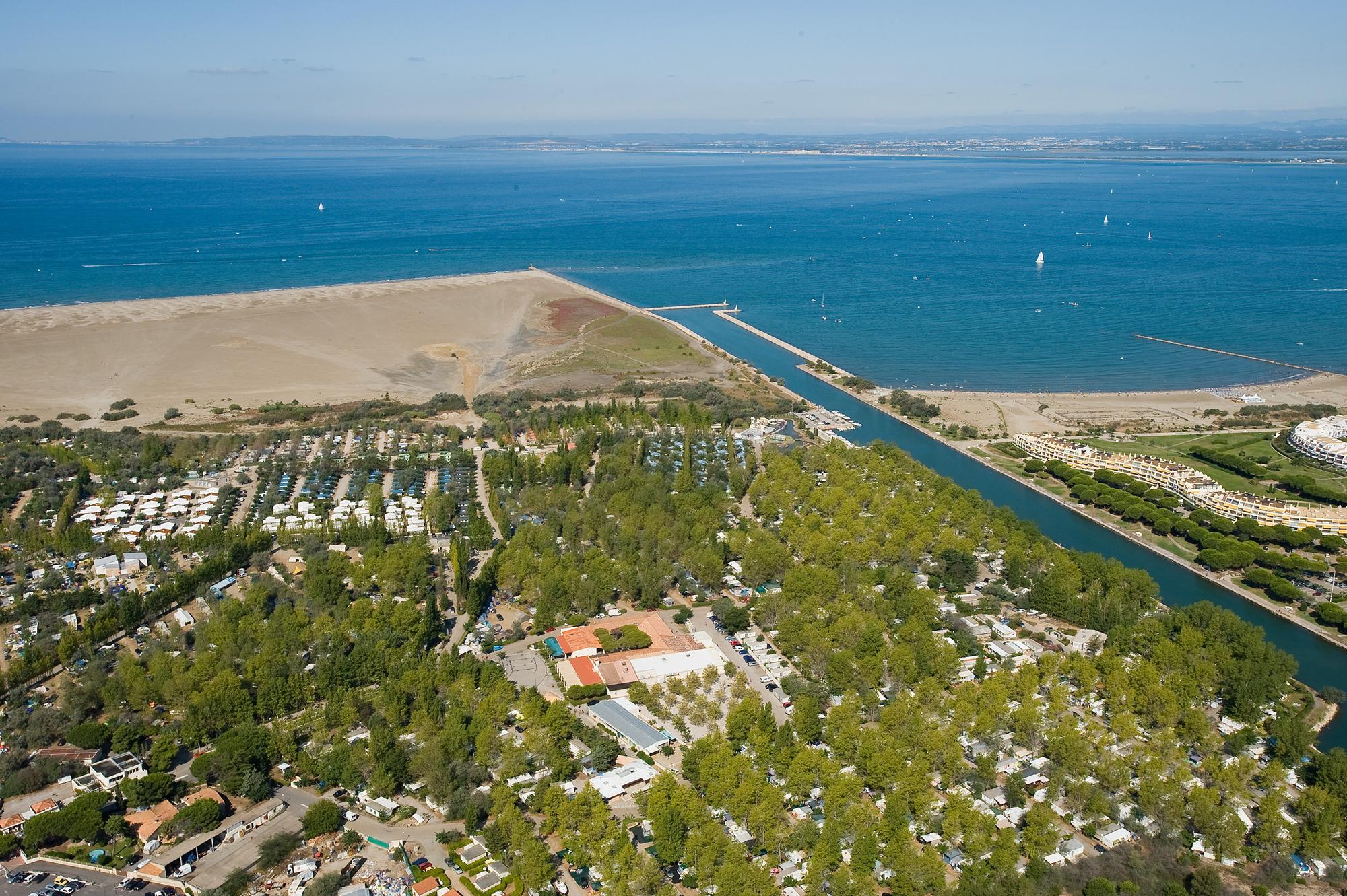 Camping en bord de mer d couvrez le camping l 39 espiguette for Camping grau du roi bord de mer avec piscine
