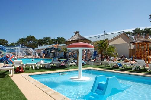 Camping la chiappa naturiste camping bord de mer piscine for Camping corse bord de mer avec piscine