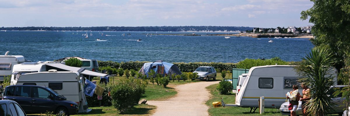 camping piscine couverte finistere