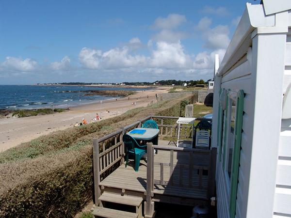 Camping de la falaise bord de mer vue mer mobilhome for Camping au lavandou bord de mer avec piscine
