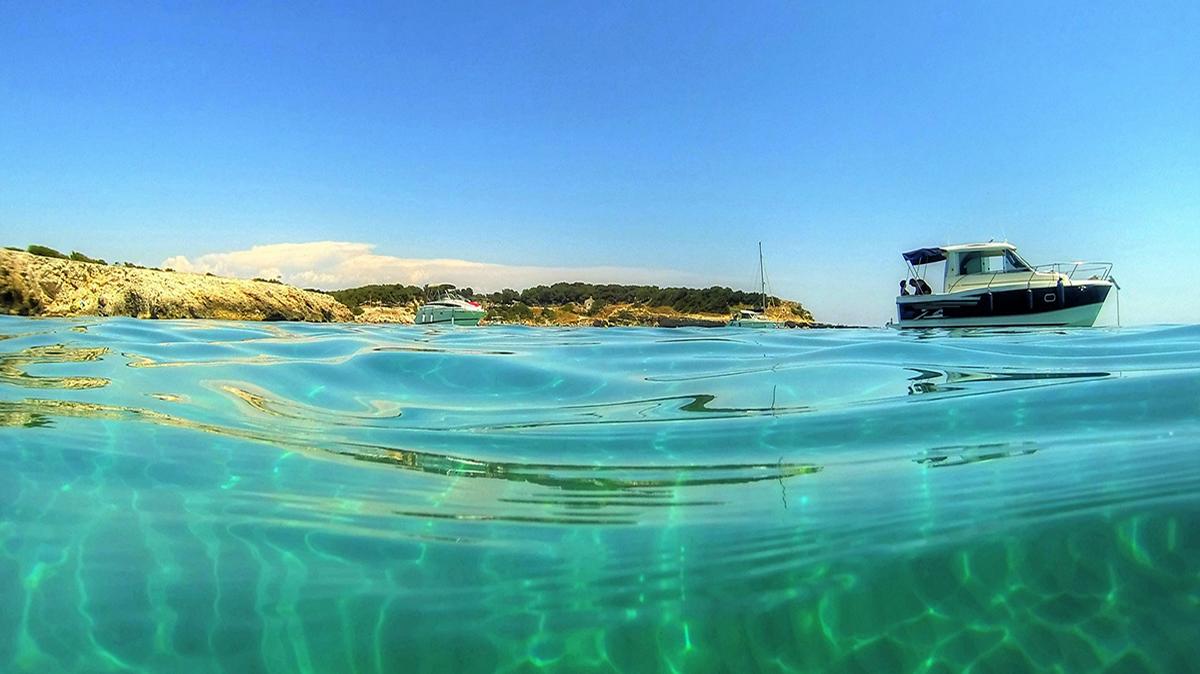 Camping le marius calanque sainte croix camping bord de mer for Camping lac de ste croix avec piscine