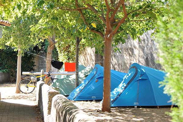 Camping Le Parc des Maurettes-petit emplacement tente cote d azur